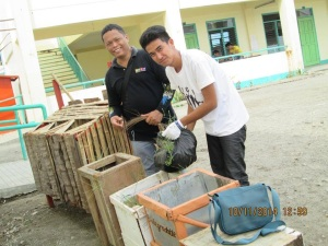 Right - Enriano;  Left is Erwin Rojo the Project coordinator.